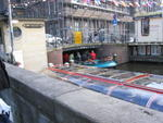 Turisti in barca ad Amsterdam