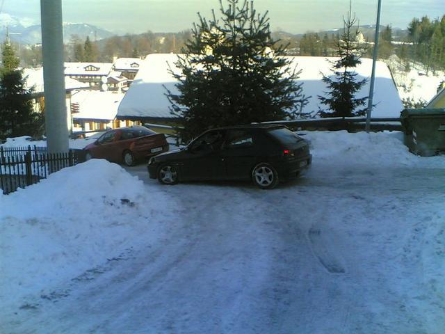 Salita ghiacciata prima del parcheggio